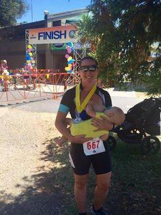 Példakép lett az anya, aki triatlon után rögtön megszoptatta a babáját