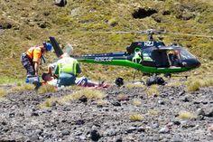 GLOBE NEWS : GLOBE NEWS  ·NEW ZEALAND NEWS-HERALD-100kg boulder...