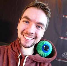 "Jacksepticeye - One of the craziest people on the planet, and I love him for it. He's also super upbeat, and I can't watch his videos without smiling or laughing. Also, I'm always down for an Irish accent!  ""Top o' the mornin' to ya, laddies!"""