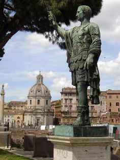 Rome Travel Guide: There are cities that are modern, fashionable, shiny or trendy, but there is only one Eternal Rome, city on seven hills. Rome Travel, Italy Travel, Roman Forum, Rome Italy, Statue Of Liberty, Travel Guide, City, Statue Of Liberty Facts, Statue Of Libery