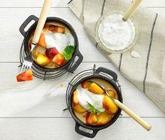 Kompott på stekta äpplen med kardemummayoghurt