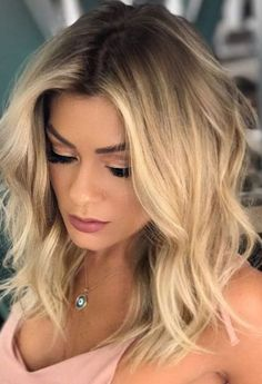 22 New Gorgeous Hair Color Trends For 2019 Stylish blonde hair color Gorgeous Hair Color, Cool Hair Color, Hair Colour, Ombre Hair, Balayage Hair, Medium Hair Styles, Curly Hair Styles, Blonde Hair Styles Medium Length, Brown Blonde Hair