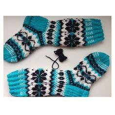 Knit Socks, Knitting Socks, Mittens, Shoes, Instagram, Fashion, Fingerless Mitts, Moda, Zapatos