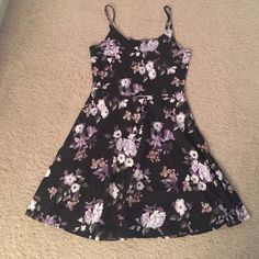Floral skater dress Lots of stretch and casual Dresses Mini