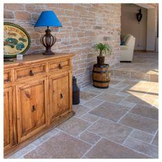Carrelage Extérieur : Carrelage Travertin pierre naturelle. Convient à l'intérieur comme à l'extérieur