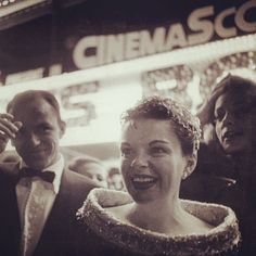 Frank Sinatra, Judy Garland, and Lauren Bacall at the Hollywood premiere of A Star Is Born (1954) Lost In History (@HistoryToLearn) | Twitter