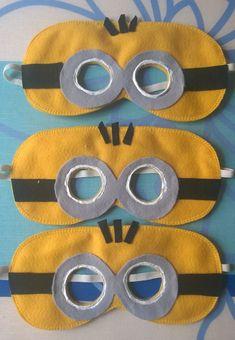 Mascara do Minions em feltro, com elástico para melhor ajustar na cabeça da criança.