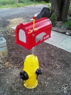 Google Image Result for http://uglymailbox.com/wp-content/uploads/2009/06/firehydrant.jpg