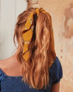 Scrunchie is back - Marque d'accessoires pour cheveux made in France Elegant Hairstyles, Easy Hairstyles, Bandana Hairstyles, Gorgeous Hair, Scrunchies, Hair Inspiration, Hair Clips, Ideias Fashion, Curly Hair Styles