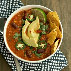 Switch up your Taco Tuesday with this Slow-Cooker Turkey Taco Soup w/ Quinoa. YUM!