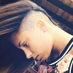 Look super cool with a hidden sidecut, undercut combo. | 18 Dainty And Discreet Ways To Have An Undercut