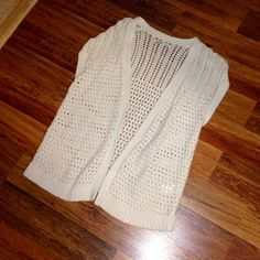 Old Navy Crochet Knit Cardigan NWOT NEVER WORN Old Navy Crochet Knit Cardigan. Perfect for spring and summer! In like new condition! Open to offers! Old Navy Sweaters Cardigans