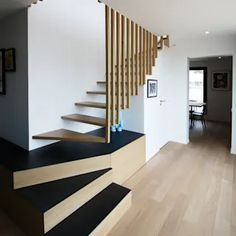 Salon : images, idées et décoration | homify Stairs With Glass Panels, Glass Stairs, Wooden Stairs, Home Stairs Design, Interior Stairs, Duplex Paris, Stair Paneling, New Interior Design, Color Interior