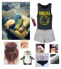 """""""sleeping next to Lukey"""" by haileym5sos ❤ liked on Polyvore featuring moda, Topshop y Chapstick"""