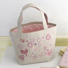 ~~ Cute for a sweet 16 girls birthday ~~ Patchwork Bags, Quilted Bag, Diy Bags Easy, Embroidery Purse, Crochet Shoulder Bags, Diy Tote Bag, Side Bags, Handmade Purses, Craft Bags