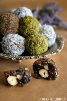 Sweet and slightly sour heavenly truffles {raw & vegan} And a giveaway