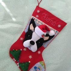 Bota Natal bichinho de estimação no Elo7 | REAL ARTES (5FBE5A) Felt Christmas Stockings, Felt Christmas Decorations, Holiday Decor, Fun Crafts, Diy And Crafts, Crafts For Kids, Cute Cat Wallpaper, Dog Heaven, Crochet Diagram