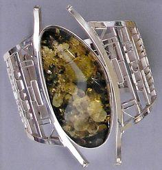 Green Amber bracelet   modernartjewelry.net