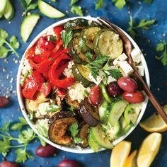 Δυναμωτική σαλάτα με κουσκούς και ψητά λαχανικά | tlife.gr