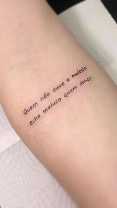 10 Minimalist Tattoo Designs For Your First Tattoo - Spat Starctic Mini Tattoos, Baby Tattoos, Head Tattoos, Small Tattoos, Tatoos, Tattoos Masculinas, Get A Tattoo, Tattoo Life, Frases Para Tattoo