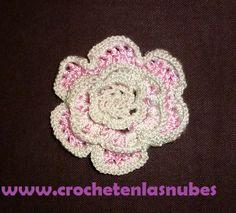 Flor www.crochetenlasnubes.com