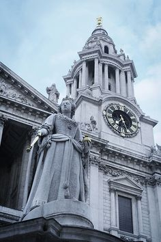 Front of St Paul's Cathedral