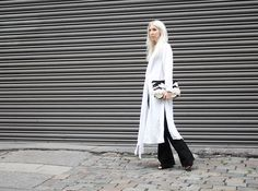 Selfnation, Flared Pants, Jeans, fairtrade, Longblouse, H&M, Mango, Ethno-Clutch, Look, ootd, Style, Fashion, Blog, stryleTZ