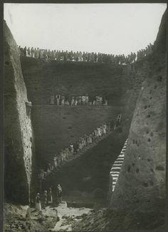 The excavation crew in Pit X at Ur, Iraq, 1933