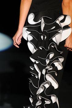 Juana Martín - Detalle de una trasera de un vestido de su desfile en la Madrid Fashion Week