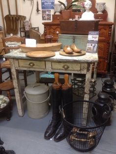 Antique & country furniture wonderful painted table