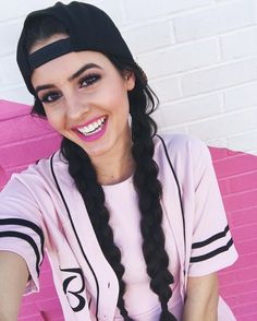 Hi I'm Lisa Cimorelli! I'm 18 and single. I have 5 sisters together we make the band Cimorelli!