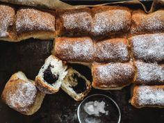 Pečené buchty - Zo srdca do hrnca French Toast, Breakfast, Food, Basket, Morning Coffee, Essen, Meals, Yemek, Eten