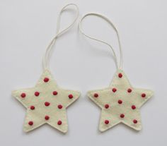 Embroidered felt Christmas decorations - polka dot stars