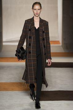 Victoria Beckham Fall 2016 Ready-to-Wear Fashion Show