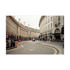 Pedestrianization Is London's Calling | TheCityFix.com ❤ liked on Polyvore featuring backgrounds, pictures, london, photos and places