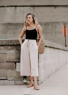 11 Minimalist Outfit Ideas Perfect For Summer
