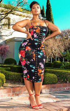 black women's fashion a Black Women Fashion, Curvy Women Fashion, Plus Size Fashion, Curvy Girl Outfits, Plus Size Outfits, Femmes Les Plus Sexy, Looks Plus Size, Beautiful Black Women, Beautiful Eyes