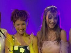 Cami, Concert, Girls, Fashion, Brunettes, Luisana Lopilato, The Outsiders, Friendship, Actresses