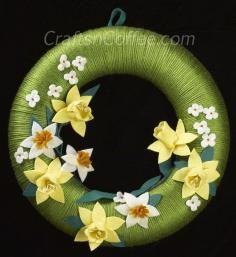 DIY Tutorial DIY Paper Crafts / DIY Easy Paper Daffodils - Bead&Cord