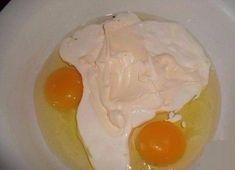 Máte hlad nebo chuť a hledáte něco opravdu dobrého? Nemáte čas na složitou a zdlouhavou přípravu? Máme pro vás řešení! Nesmírnou výhodou této dobroty je to, že si můžete volitelně přidávat libovolné ingredience. Fantazii se zde meze nekladou! Ingredience –4 polévkové lžíce zakysaná smetana – 4 lžíce majonéza –2 vejce –9 lžic mouky Postup 1) …