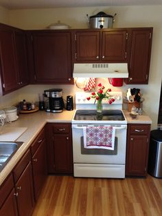 My kitchen AFTER transformation.  I used one can of Gunstock mixed with one can of Rustic to get the color i wanted.