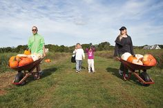 David and Willa Fawer of Quogue and their daughters, Naomi and Kaela, spent Saturday at Stakey's Pumpkin Farm in Aquebogue. (Credit: Chris Lisinski)