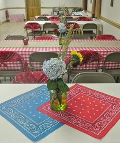 Cowboy party - table decor, but with blue and gold bandanas