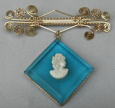 VINTAGE WIRE BROOCH WITH A CAMEO - BLUE TRANSPARENT CAMEO - PLASTIC