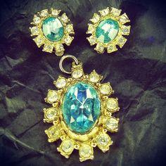 #rhinestone & glass #vintageearrings & #vintagependant set #vintagecostumejewellery #vintagejewellery #vintagecostumejewelry #vintagejewelry
