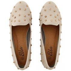 KrispOUTLET Soft PU Metal Studded Nude Loafer Shoes (91 BRL) ❤ liked on Polyvore featuring shoes, flats, sapatos, zapatos, nude footwear, flat shoes, flats loafers, nude flats and nude shoes