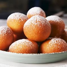 Easy Beignets - dessert make and cake - Bread Recipes Donut Recipes, Baking Recipes, Cookie Recipes, Dessert Recipes, Easy Desserts, Delicious Desserts, Yummy Food, Indian Food Recipes, Love Food