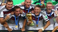 Miroslav Klose, Philipp Lahm, Erik Durm, Bastian Schweinsteiger and Toni Kroos of Germany celebrate