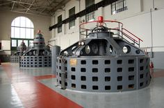 Bir hidroelektrik santralinin türbinleri