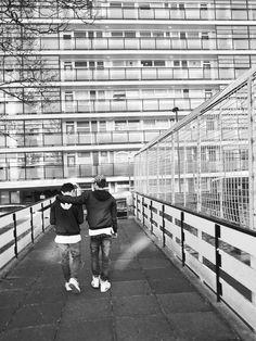 Série mode : BROTHERS | MilK - Le magazine de mode enfant. Photographe : Tim Marsella. Directrice artistique : Jo McGuinness. Styliste : Fran Bartoli.